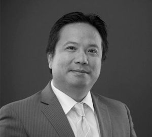 "4: ""The Key is doing what you Love"" with Dr. Qi Li, Director of Global Product Innovation at InterSystems"